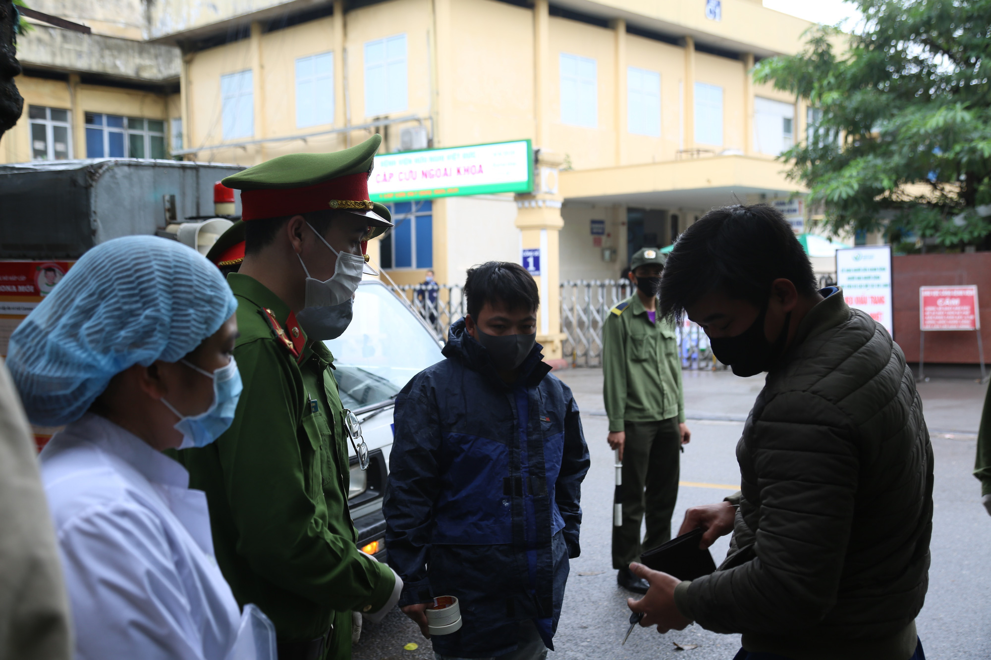 Bị triệu tập vì nghi ăn trộm, nam thanh niên dọa vừa từ Bạch Mai về để trốn công an - Ảnh 1.