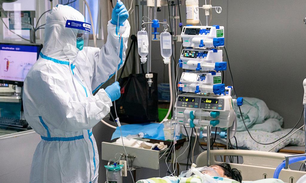 Bác sĩ đầu tiên khỏi bệnh Covid-19 là người nằm trong tuyến đầu phòng chống dịch - Ảnh 1.