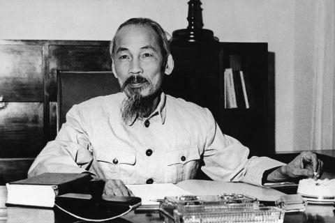 Phát huy vai trò tư tưởng đại đoàn kết dân tộc của Chủ tịch Hồ Chí Minh trong cuộc chiến chống đại dịch COVID-19  - Ảnh 1.