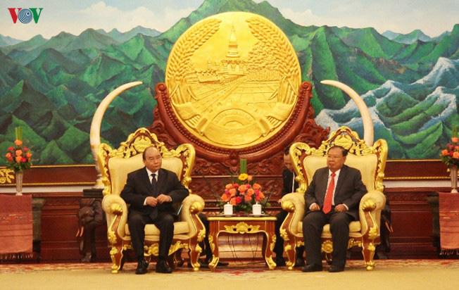 """Thủ tướng Nguyễn Xuân Phúc viếng """"người bạn lớn của Việt Nam"""" - Ảnh 2."""