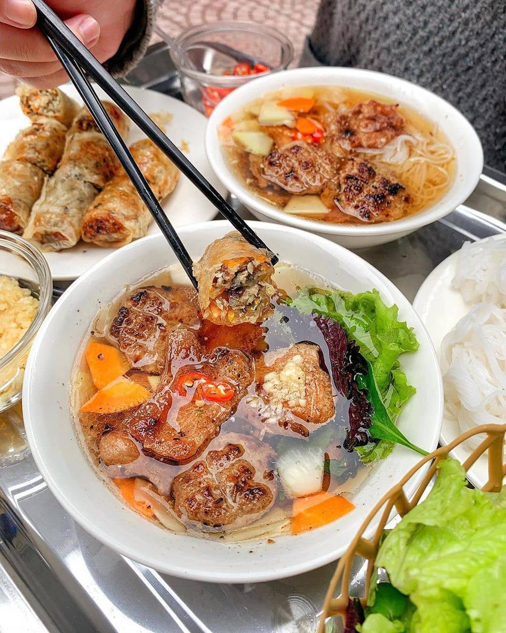 """Báo Pháp gọi Hà Nội là """"ngôi đền của những món ăn đường phố"""" - Ảnh 2."""