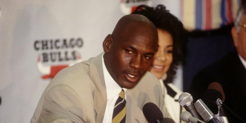 Những điều Michael Jordan đã làm với bóng chày trong quãng thời gian nghỉ hưu lần đầu tiên - Ảnh 1.
