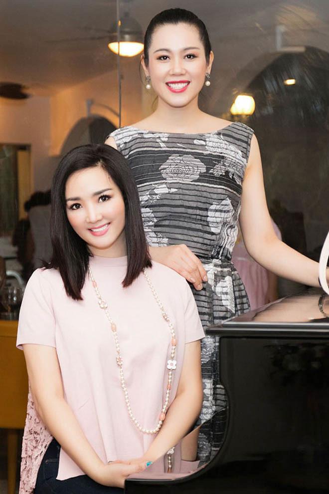 Á hậu Việt xinh đẹp từ bỏ showbiz, U50 vẫn theo đuổi nghề tiếp viên hàng không - Ảnh 3.