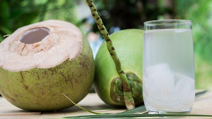 """Phụ nữ chăm uống nước dừa vào mùa hè sẽ vừa giảm cân, đẹp da lại nhận được hàng loạt """"tin vui"""" cho sức khỏe mà thuốc bổ cũng khó làm được - Ảnh 3."""