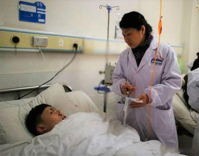 Một bên phổi của cậu bé biến mất một cách kỳ lạ, bác sĩ bàng hoàng nhận ra đó là khối u ác tính hiếm gặp - Ảnh 2.