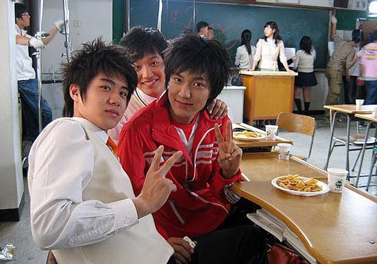 Rần rần vì ảnh hiếm Lee Min Ho và Park Bo Young thân mật từ thời ngố tàu 14 năm trước, so với nhan sắc hiện tại còn sốc hơn - Ảnh 3.