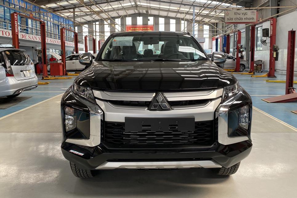 Mitsubishi Triton xả kho, giảm giá kỷ lục gần 140 triệu, rẻ hơn Ford Ranger 70 triệu đồng - Ảnh 1.