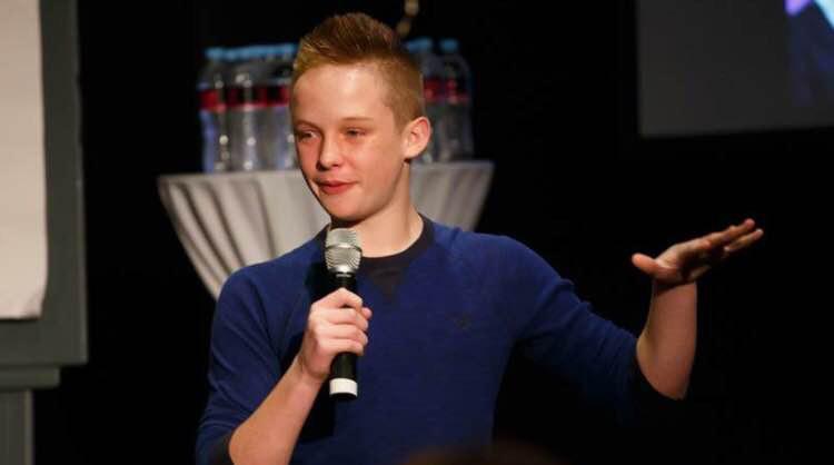 """Mới 15 tuổi, cậu bé này đã tự kiếm ra tiền và giàu """"nứt đố đổ vách"""", bí quyết tưởng khó nhằn hóa ra chỉ gói gọn trong 1 từ - Ảnh 2."""