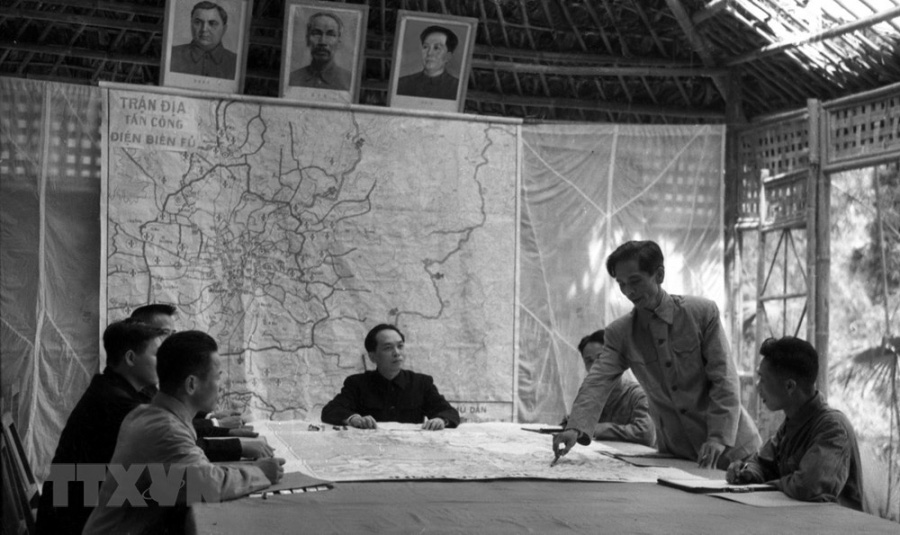 Bác Hồ và Đại tướng Võ Nguyên Giáp trong Chiến dịch Điện Biên Phủ  - Ảnh 6.