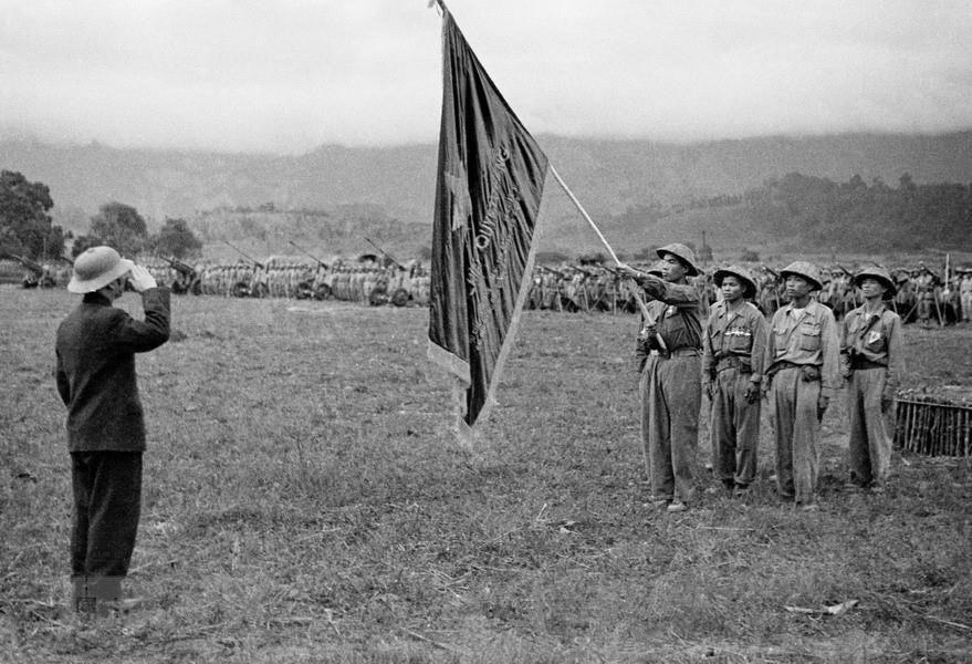 Bác Hồ và Đại tướng Võ Nguyên Giáp trong Chiến dịch Điện Biên Phủ  - Ảnh 12.