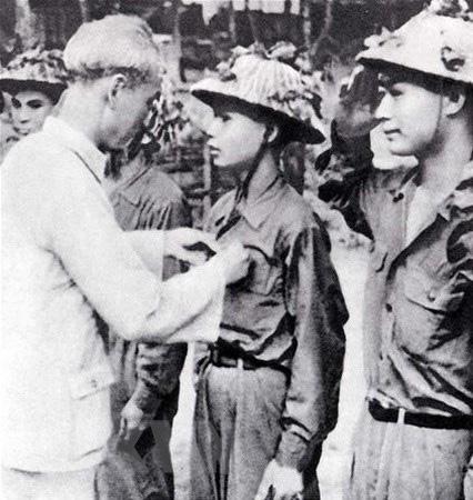 Bác Hồ và Đại tướng Võ Nguyên Giáp trong Chiến dịch Điện Biên Phủ  - Ảnh 13.