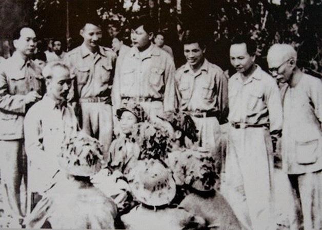 Bác Hồ và Đại tướng Võ Nguyên Giáp trong Chiến dịch Điện Biên Phủ  - Ảnh 14.