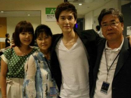 """Khi sao Hàn mạnh tay chi tiền tặng quà khủng cho cha mẹ: Song Hye Kyo mua biệt thự siêu sang giá cả trăm tỷ báo hiếu mẹ, """"tình cũ Lee Min Ho"""" Suzy mở quán cho mẹ kinh doanh - Ảnh 11."""