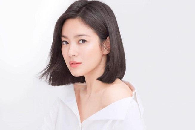"""Khi sao Hàn mạnh tay chi tiền tặng quà khủng cho cha mẹ: Song Hye Kyo mua biệt thự siêu sang giá cả trăm tỷ báo hiếu mẹ, """"tình cũ Lee Min Ho"""" Suzy mở quán cho mẹ kinh doanh - Ảnh 3."""