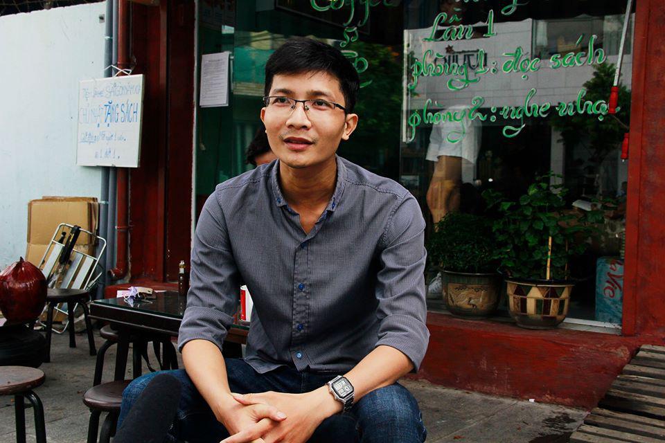 Độc đáo quán cà phê cho khách trả tiền bằng sách ở Sài Gòn - Ảnh 1.