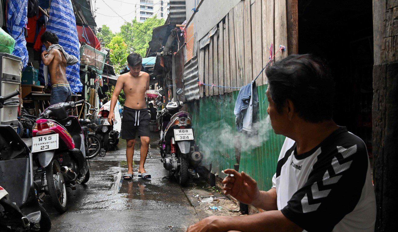 Thái Lan tung gói cứu trợ kỷ lục 60 tỷ USD để cứu nền kinh tế vốn được dự báo sẽ suy giảm 6-7% trong năm nay - Ảnh 1.