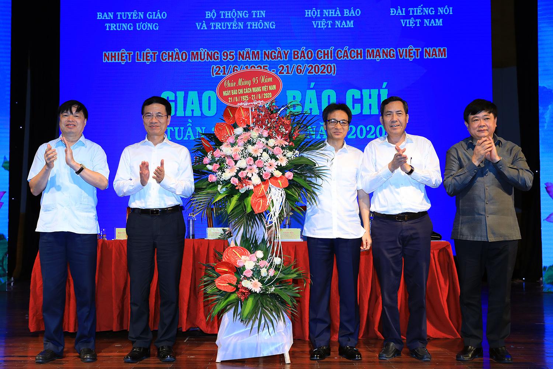 Phó Thủ tướng: Báo chí góp phần vào công cuộc phát triển của đất nước - Ảnh 1.