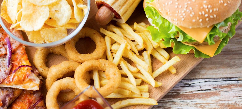 5 loại thực phẩm kém lành mạnh chị em cần hạn chế tối đa để trí não luôn minh mẫn - Ảnh 1.