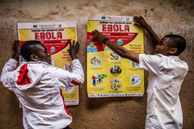 5 người, bao gồm một cô bé 15 tuổi, đã chết trong đợt bùng phát dịch Ebola ở Congo - Ảnh 2.
