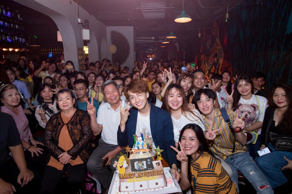 Jun Phạm, Sam khiến tiệc sinh nhật của Ngô Kiến Huy tưng bừng hơn bao giờ hết - Ảnh 3.