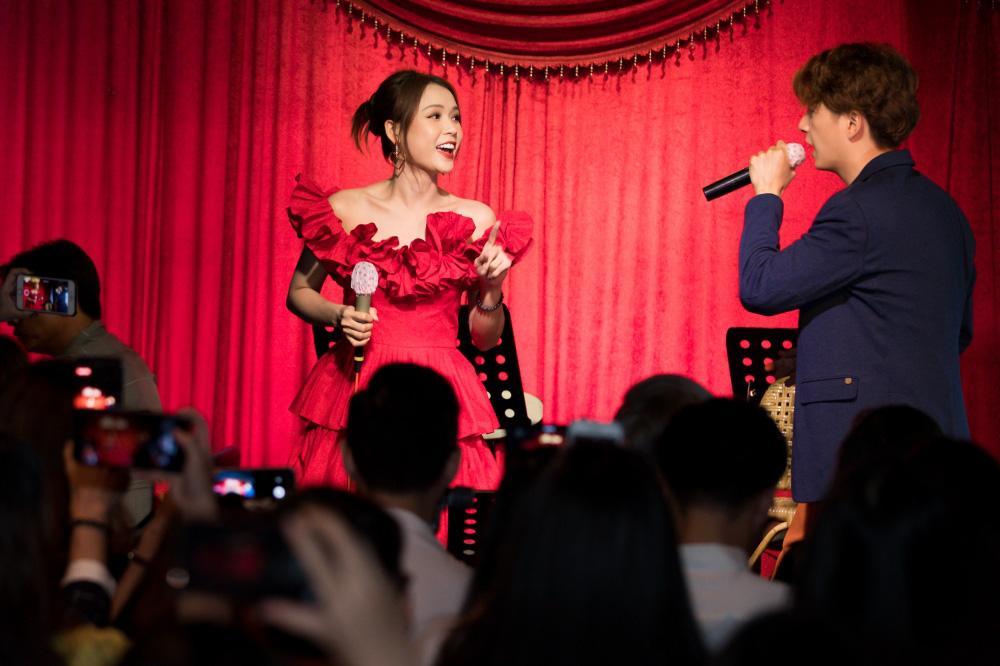 Jun Phạm, Sam khiến tiệc sinh nhật của Ngô Kiến Huy tưng bừng hơn bao giờ hết - Ảnh 11.