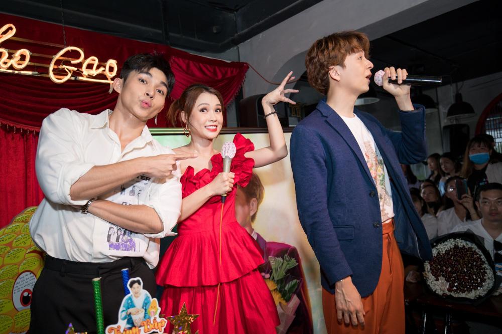 Jun Phạm, Sam khiến tiệc sinh nhật của Ngô Kiến Huy tưng bừng hơn bao giờ hết - Ảnh 13.