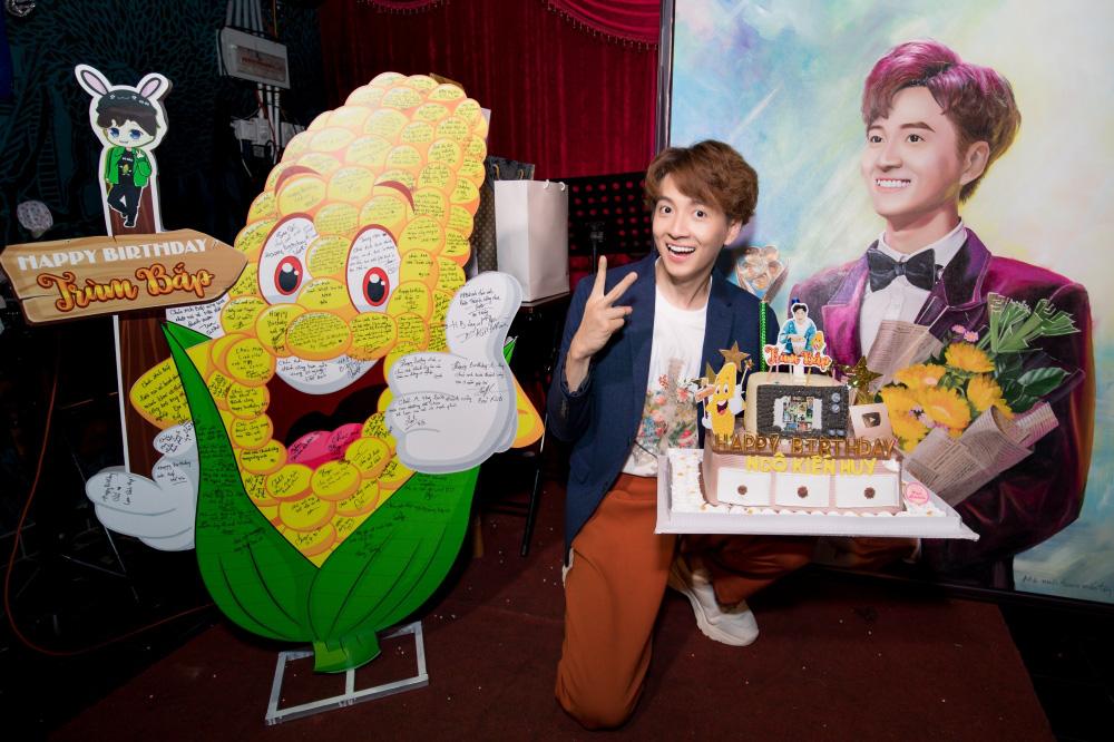 Jun Phạm, Sam khiến tiệc sinh nhật của Ngô Kiến Huy tưng bừng hơn bao giờ hết - Ảnh 14.