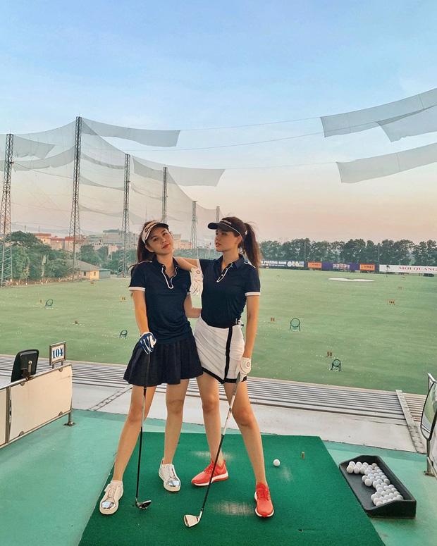 Không hẹn mà gặp hội mỹ nhân Việt đều rủ nhau check-in ở sân golf: 1 buổi chơi golf có lợi ích bằng 1 tuần tập thể dục nên bảo sao không mê cho được - Ảnh 4.
