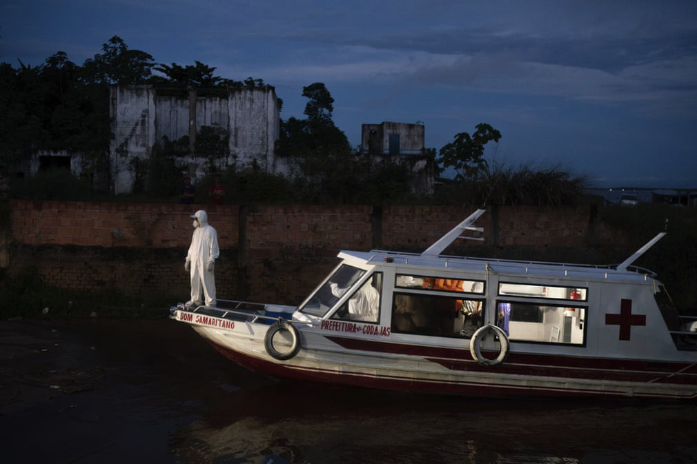 24h qua ảnh: Ngư dân đánh cá dưới hồ nước mặn ở Trung Quốc - Ảnh 4.