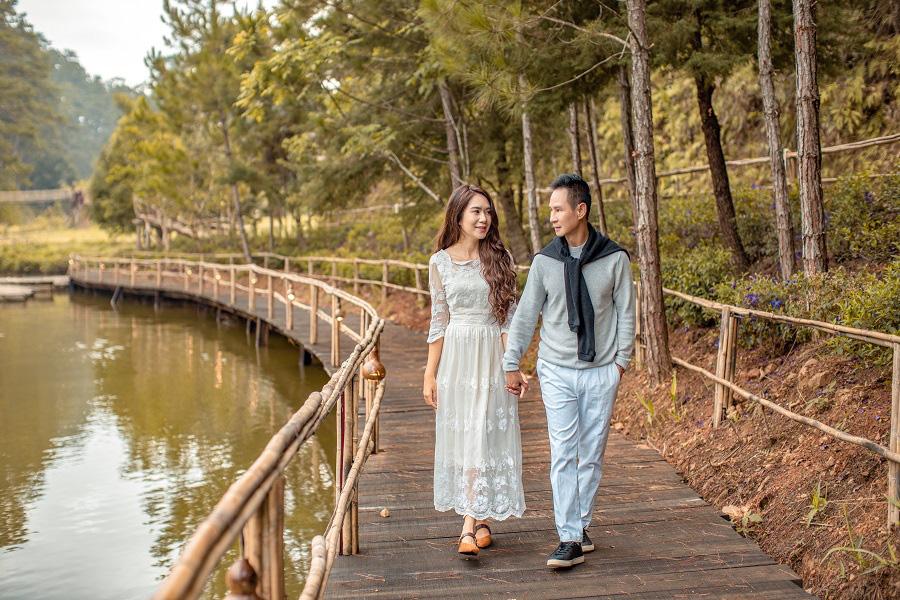 Lý Hải - Minh Hà kỷ niệm 10 năm ngày cưới bằng bộ ảnh lãng mạn - Ảnh 2.