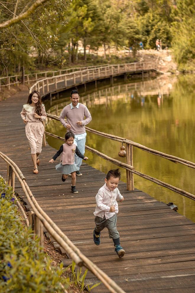 Lý Hải - Minh Hà kỷ niệm 10 năm ngày cưới bằng bộ ảnh lãng mạn - Ảnh 12.