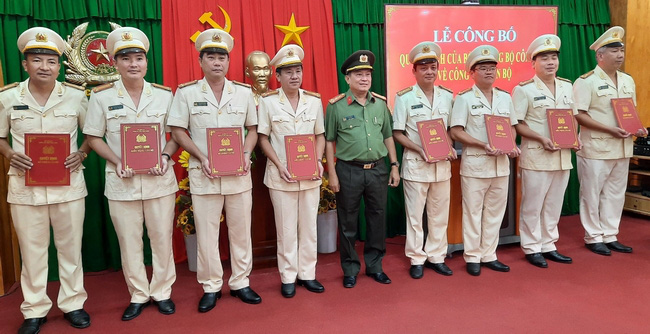 Vĩnh Long có tân Phó Giám đốc Công an tỉnh - Ảnh 1.