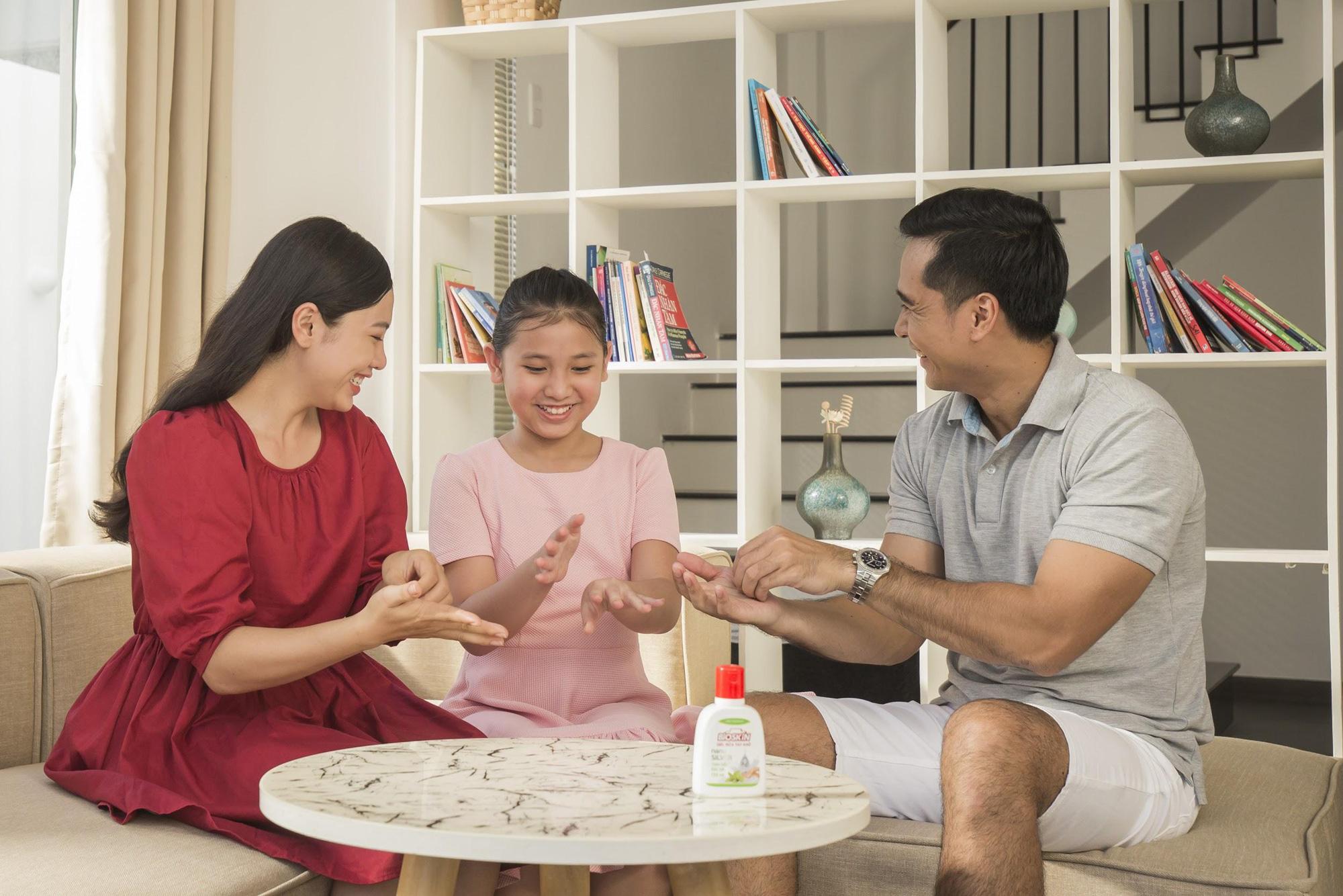 """Ba mẹ cần làm gì để bảo vệ sức khỏe gia đình trong giai đoạn """"bình thường mới - Ảnh 2."""