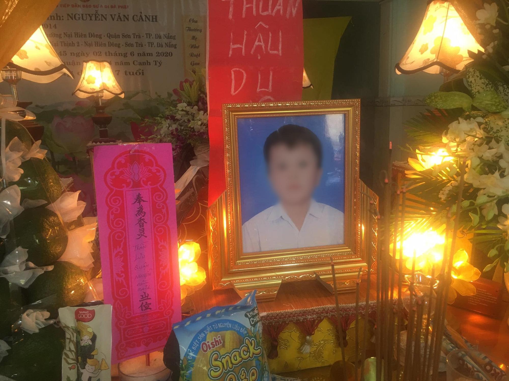 Vụ container cán xe máy khiến bé trai 6 tuổi tử vong, mẹ nguy kịch ở Đà Nẵng: Người mẹ đang mang thai, phải cưa bỏ một chân - Ảnh 4.