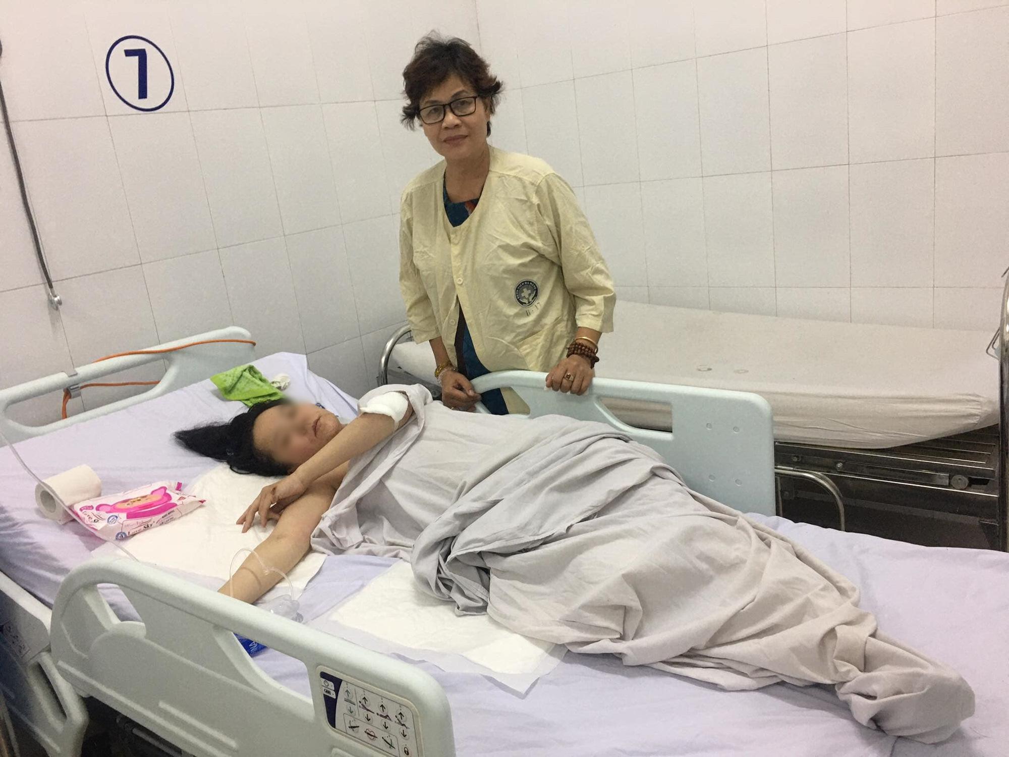 Vụ container cán xe máy khiến bé trai 6 tuổi tử vong, mẹ nguy kịch ở Đà Nẵng: Người mẹ đang mang thai, phải cưa bỏ một chân - Ảnh 5.