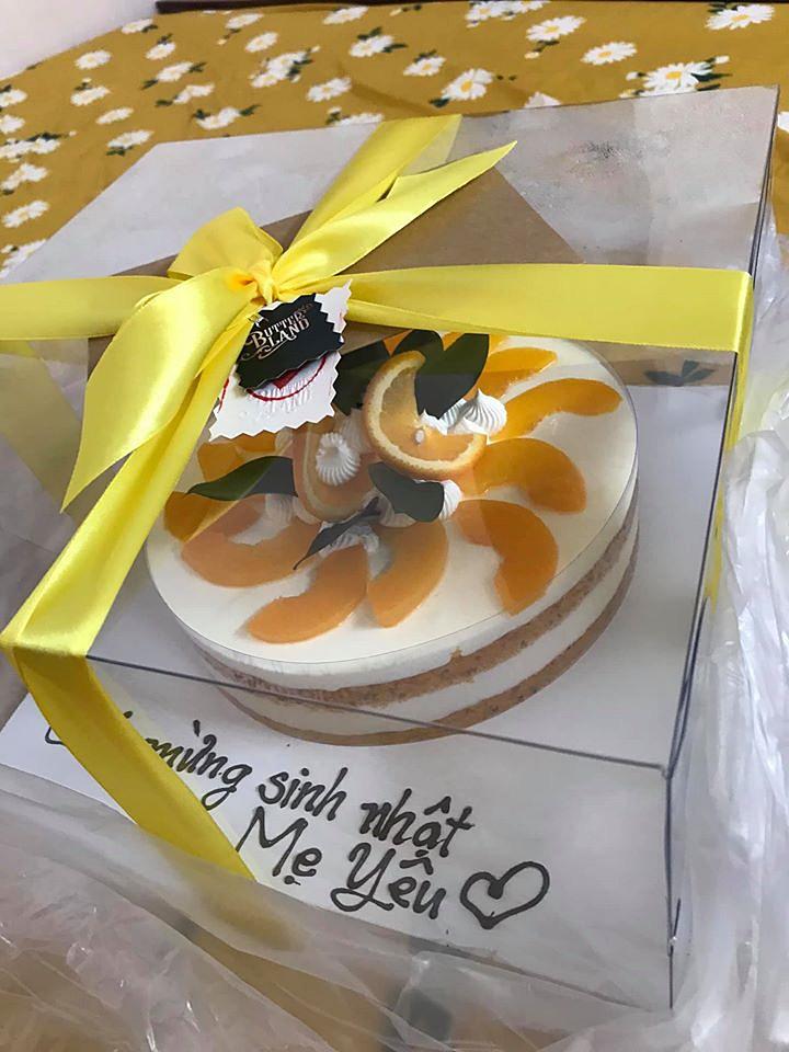 """Đặt bánh sinh nhật đẹp long lanh giá 695k, cô gái Sài Gòn nhận về chiếc bánh trang trí """"như trò đùa"""", còn bị nhân viên tiệm mắng xối xả đến mức chỉ biết im lặng - Ảnh 2."""