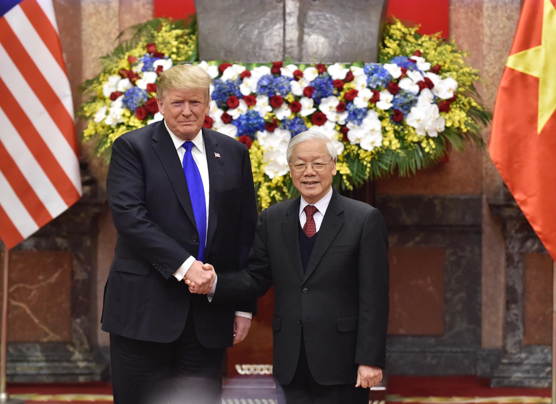 Tổng Bí thư, Chủ tịch nước Nguyễn Phú Trọng và Tổng thống Donald Trump chúc mừng 25 năm quan hệ ngoại giao Việt Nam - Hoa Kỳ - Ảnh 1.