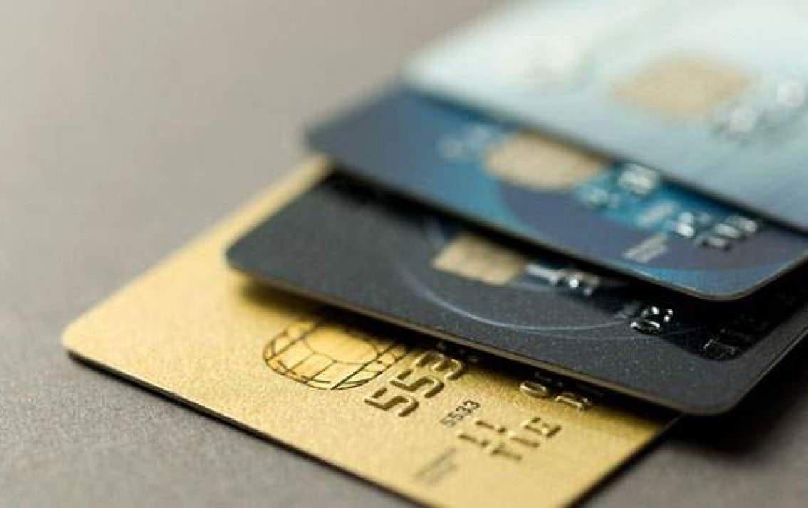 Những điều cần biết về lãi suất thẻ tín dụng và cách tránh bị tính lãi trả chậm cho chị em - Ảnh 6.