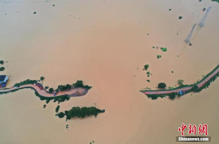 Trung Quốc: Cảnh báo hồ nước ngọt lớn nhất nước sắp tràn bờ, người dân lo ngại thảm họa đại hồng thủy 1998 lặp lại - Ảnh 8.