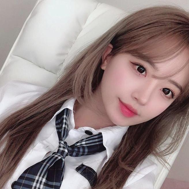 Làm khách mời trên kênh YouTube của đồng nghiệp, cô nàng BJ Hàn Quốc xinh đẹp như nữ thần thu về 8 tỷ đồng chỉ nhờ... ngồi buộc tóc - Ảnh 10.