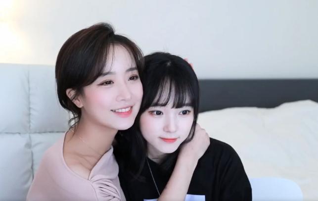 Làm khách mời trên kênh YouTube của đồng nghiệp, cô nàng BJ Hàn Quốc xinh đẹp như nữ thần thu về 8 tỷ đồng chỉ nhờ... ngồi buộc tóc - Ảnh 4.