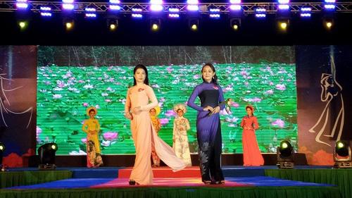 Kiên Giang: Hội thi Văn nghệ và trình diễn trang phục áo dài Việt Nam - thành phố Rạch Giá năm 2020 - Ảnh 1.