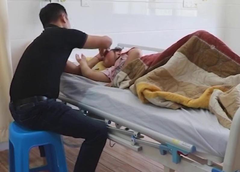 Từ ca bệnh 10 tuổi đã đột quỵ: CT Hội Phòng chống Đột quỵ chỉ ra dấu hiệu đau đầu nguy hiểm - Ảnh 1.