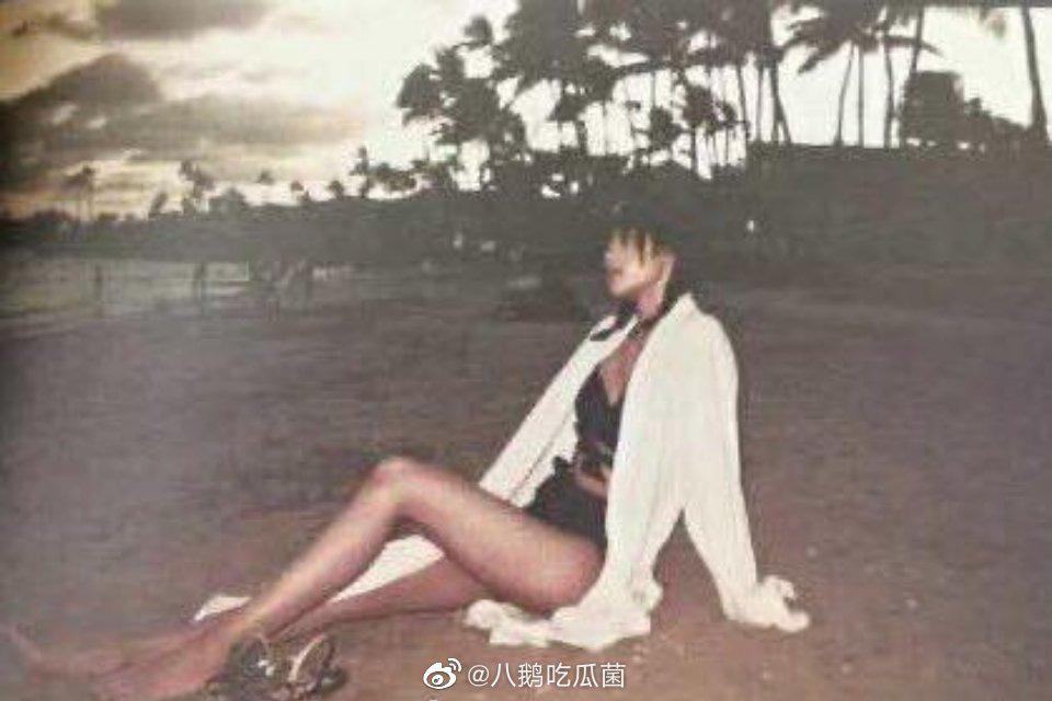 Tiết lộ ảnh chưa từng thấy của Lisa đúng ngày sinh nhật: Diện bikini cực hot, khoe vòng 1 lấp ló và đôi chân tuyệt mỹ - Ảnh 3.