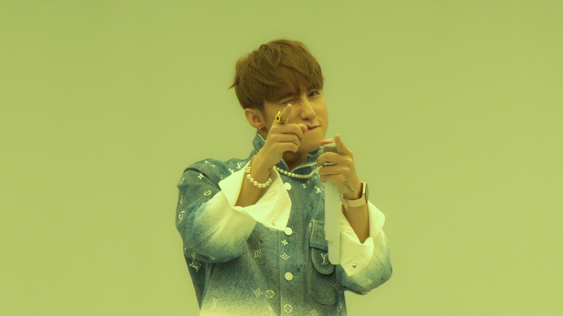 Sơn Tùng M-TP lần đầu biểu diễn ca khúc 68 triệu view - Ảnh 12.
