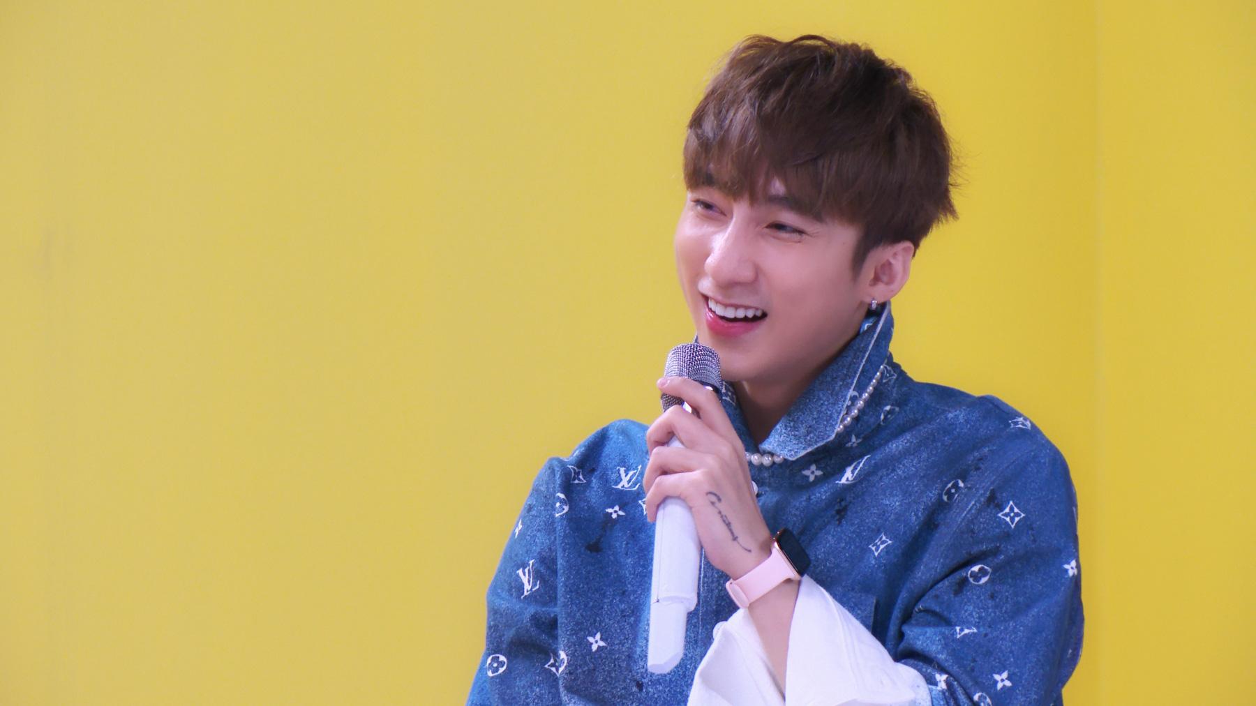 Sơn Tùng M-TP lần đầu biểu diễn ca khúc 68 triệu view - Ảnh 1.