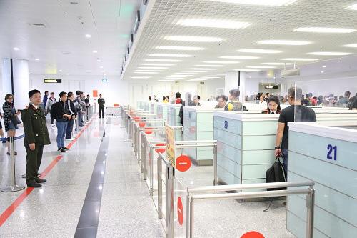Bộ Công an thực hiện cao điểm ngăn chặn người xuất nhập cảnh trái phép - Ảnh 1.