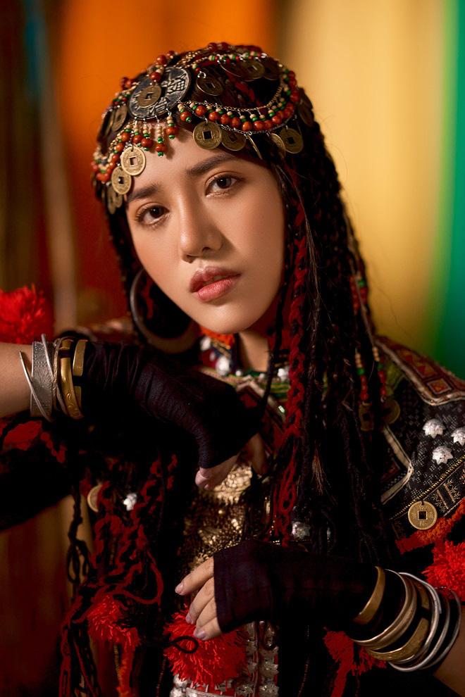 Chủ nhân hit 62 triệu views trở thành ca sĩ độc quyền đầu tiên của Universal Music Vietnam - Ảnh 1.