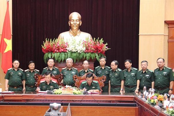 Bàn giao nhiệm vụ Tư lệnh Quân khu 3, Tư lệnh Bộ đội Biên phòng - Ảnh 2.