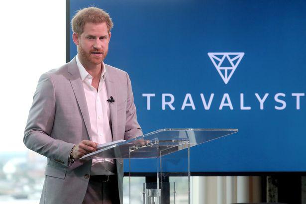 Harry lần đầu xuất hiện sau lùm xùm kể xấu hoàng gia, chỉ nói một câu nhưng khiến dư luận càng thêm phẫn nộ, uy tín trượt dốc không phanh - Ảnh 2.